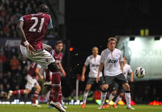 West Ham 2-2 Manchester United: Van Persie rescues a point for champions-elect