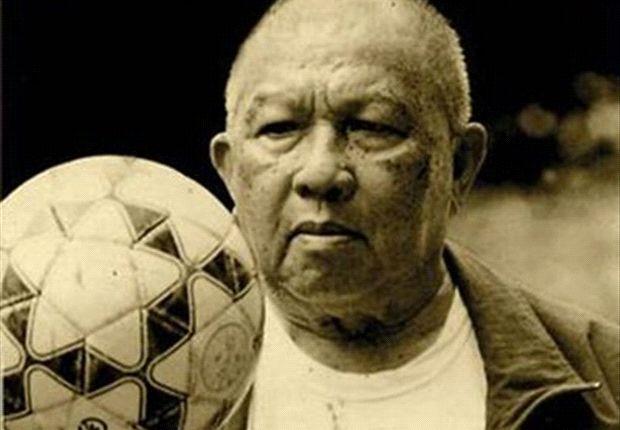 FOKUS: Dari EA Mangindaan Hingga Rahmad Darmawan, Pelatih Lokal Merah-Putih Dari Masa Ke Masa