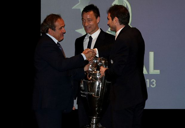 Terry snubs handshake with FA chairman David Bernstein during Champions League trophy handover