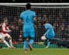 Messi rompió la maldición contra Cech