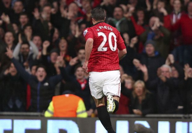 Briljante Van Persie bezorgt United titel