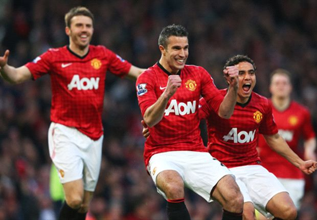 Wenger: I would choose Carrick not Van Persie for PFA award