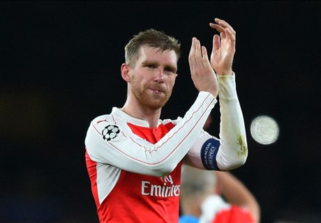 Mertesacker out for a 'few months'