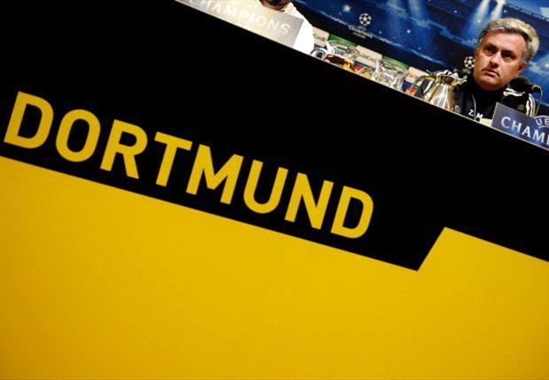 El Real Madrid y José Mourinho, increpados por radicales en Alemania