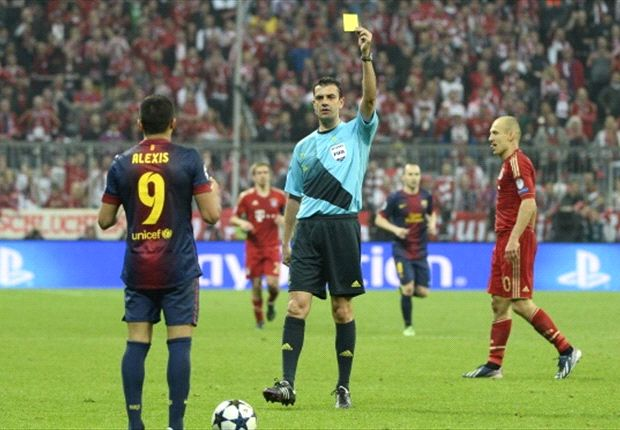 Roura bemoans refereeing bad luck after Bayern Munich battering