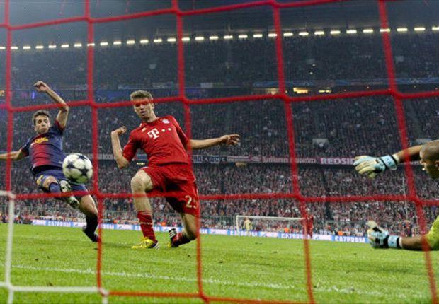 Thomas Müller anotando un tanto en un choque frente al Barça