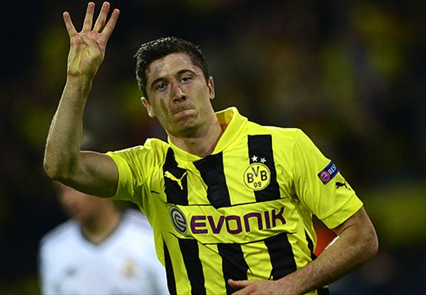 Quat-Trick Robert Lewandowski Remukkan Real Madrid