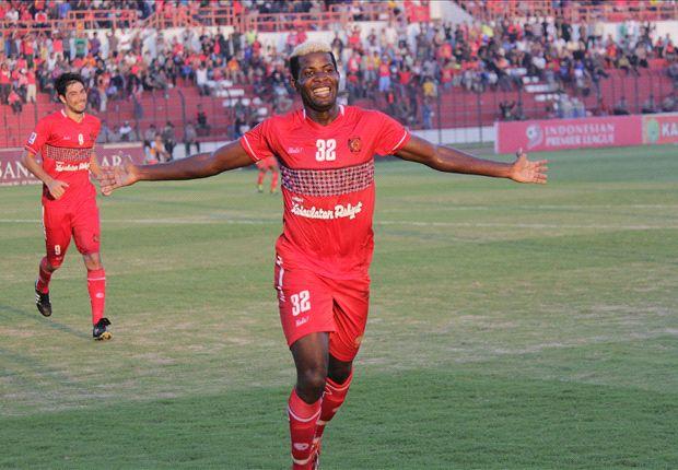 Roberto Kwateh mencoba peruntungannya dengan mengikuti seleksi di Persib Bandung.