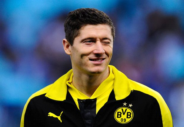 Sir Alex hints Lewandowski Manchester United move is still possible
