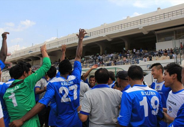 Rangdajied players acknowledge their fans (Photo: AIFF)