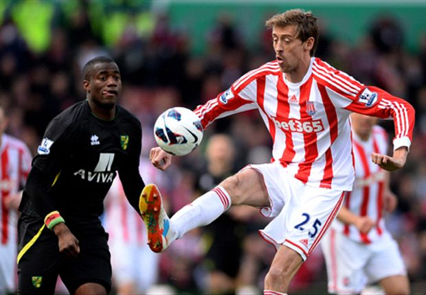 Crouch happy to remain at Stoke