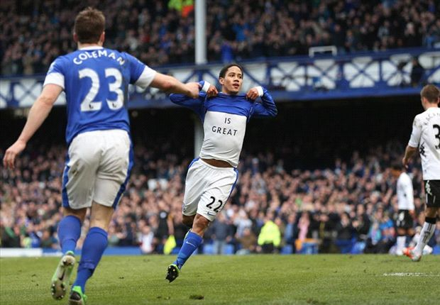 Everton 1-0 Fulham: Pienaar strikes to cut gap on fifth-placed Tottenham