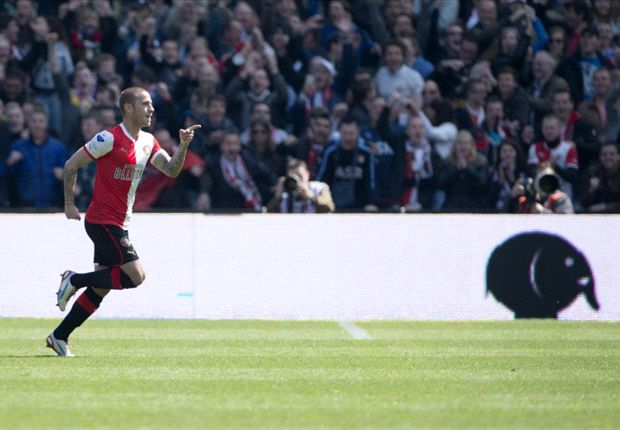 Feyenoord walst over Heracles heen