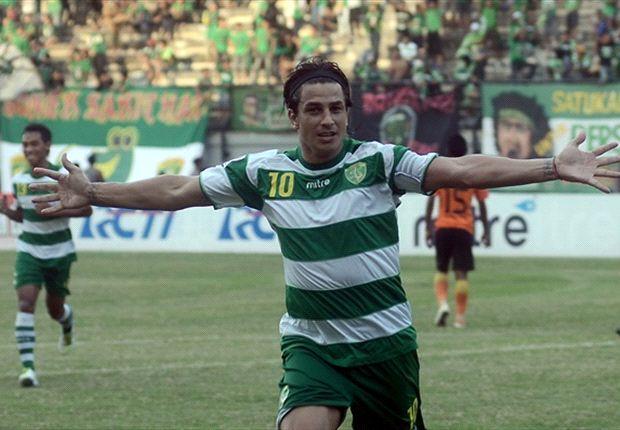 Fernando Soler bersaing dengan Pape Latyr Ndiaye memperebutkan slot pemain asing di sektor depan