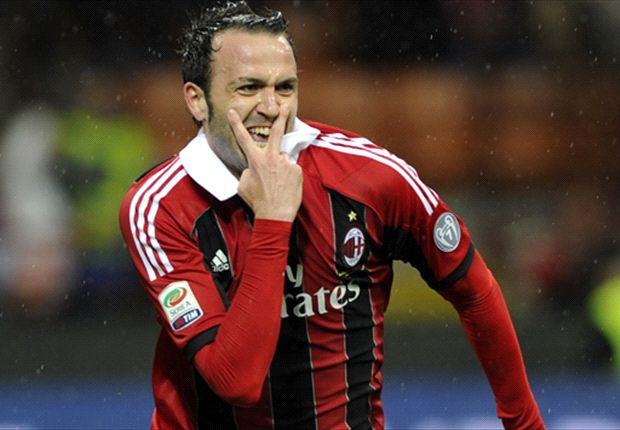 Montolivo praises 'massive' performance from AC Milan team-mate Pazzini