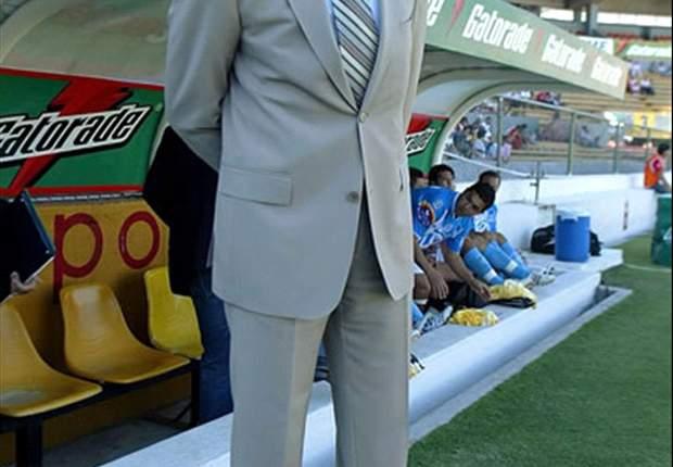 Puebla's Chelis Still Upset With Club Officials