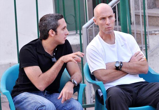 Bob Bradley with Abdulrahman Magdi