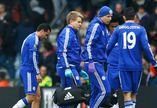 Pedro taken off with first-half injury