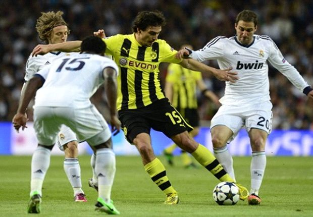 Reus desperate for Hummels stay