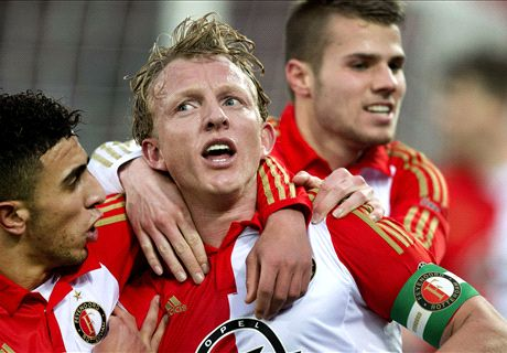 Kuyt makes Eredivisie history