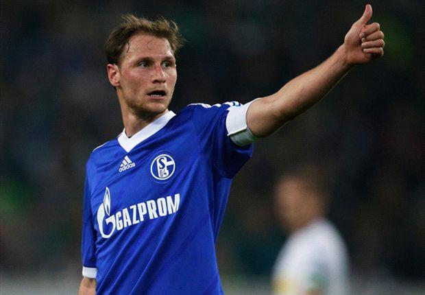 Schalke-Kapitän Benedikt Höwedes nach dem Sieg bei Borussia M'Gladbach