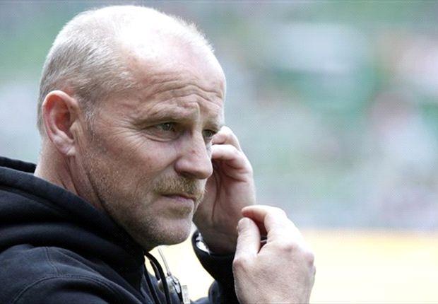 Bei Werder aus den Augen, aber noch nicht aus dem Sinn - dazu auf der Anzeigetafel: Thomas Schaaf