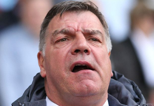 Allardyce signs new two-year contract at West Ham