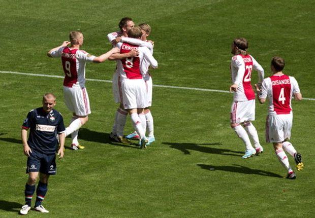 Ajax grijpt 32e titel ten koste van degraderend Willem II