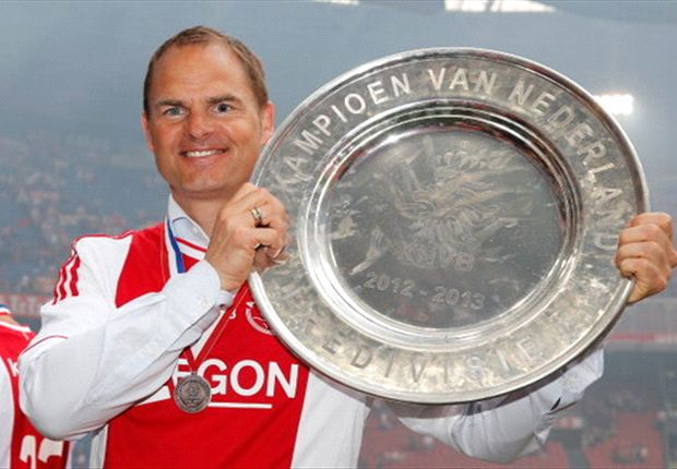 De Boer signs new Ajax deal