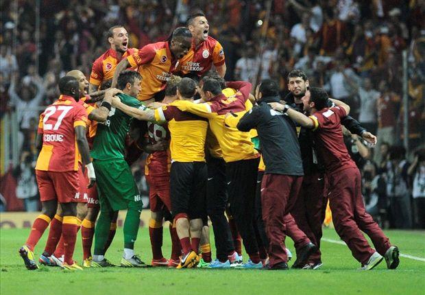 Sneijder wint Turkse titel met Galatasaray