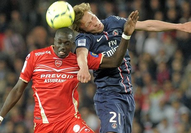 Paris Saint-Germain Ditahan Valenciennes