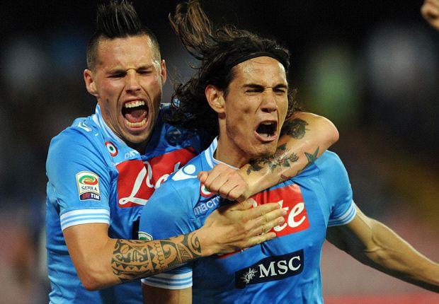 Napoli stelt tweede plaats bij Bologna veilig