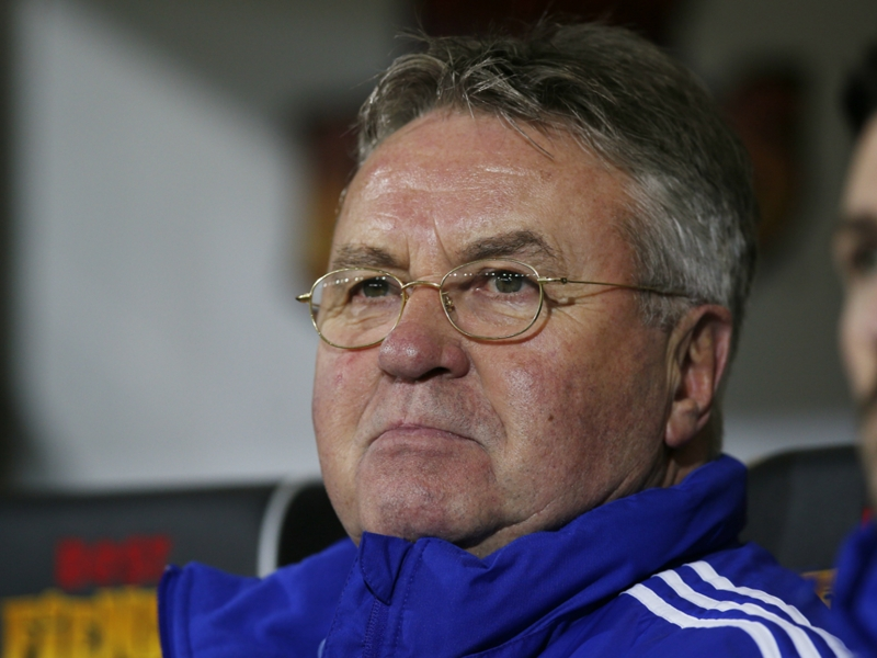 Guus Hiddink se propose à la Russie