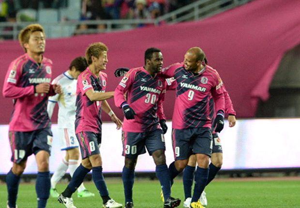 Para pemain Cerezo Osaka merasa girang bisa bermain dengan Diego Forlan