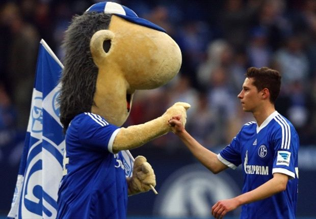 Schalke star Draxler rejects Chelsea approach