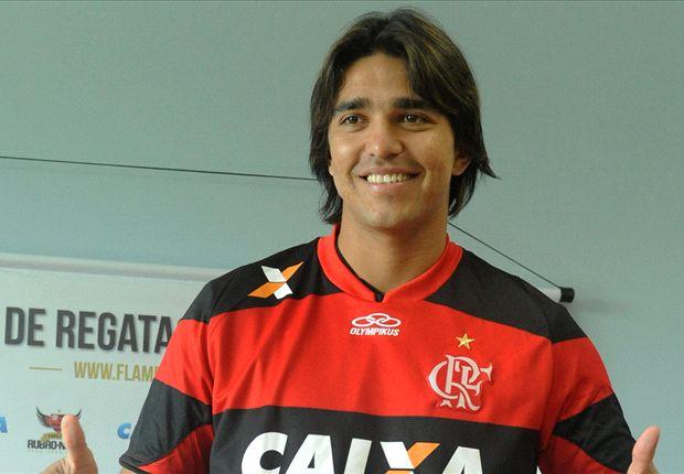 """Moreno chega ao Flamengo e diz: """"Quero dar alegrias para nação e espero que possa ser logo"""""""