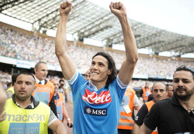 Arrivederci o addio, è tempo di saluti in casa Napoli: Cavani con le lacrime, Mazzarri a testa alta