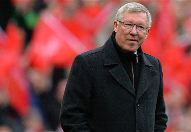 Sir Alex Ferguson calls for Manchester United to stand by Moyes