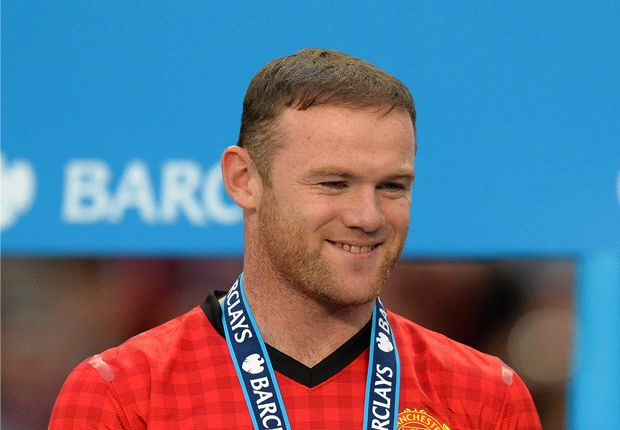 Van der Sar wants Rooney to stay at Manchester United