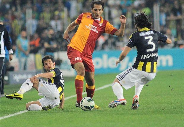 Jubilerende Kuyt verslaat Galatasaray