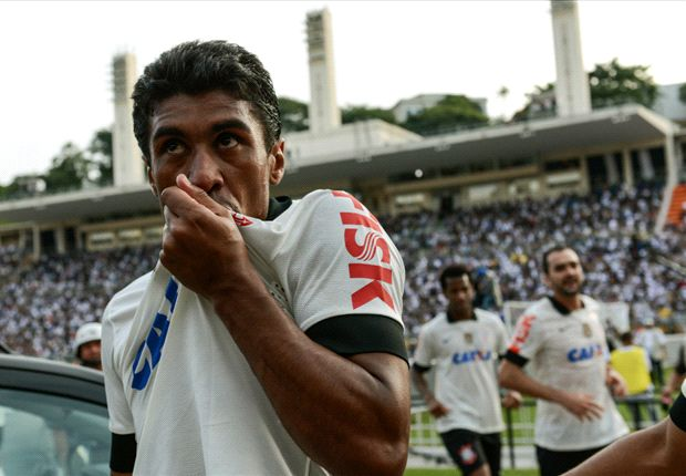 Tite & Paulinho hug sparks transfer speculation