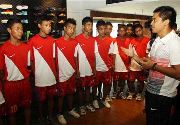 Sunil Chhetri with Nike MUPC champions