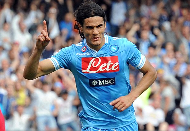 Chelsea want Edinson Cavani, according to the Napoli chairman