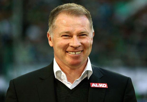 "Vor dem Abstiegskrimi: Augsburgs Manager Stefan Reuter sieht ""positive Drucksituation"""