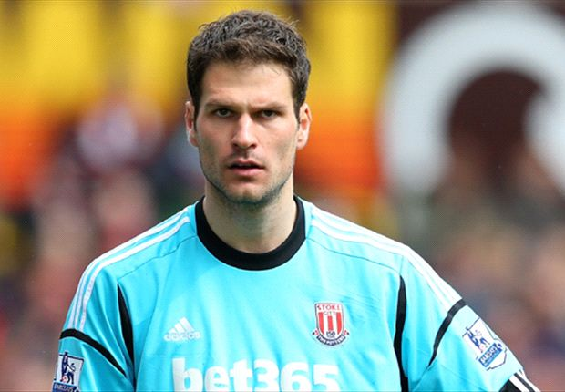 Begovic happy to stay at Stoke