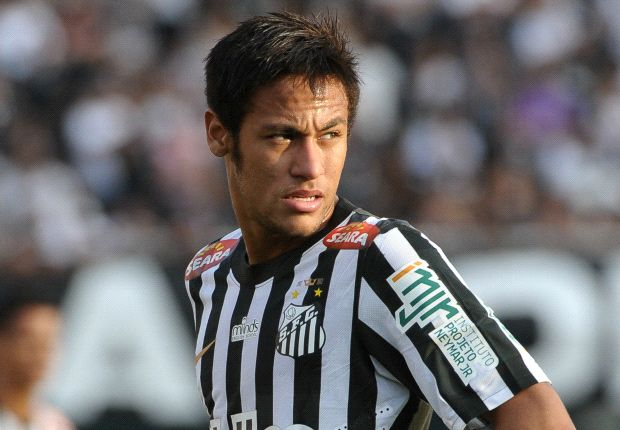 Neymar plans to stay at Santos until 2014, says father