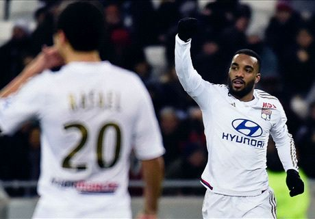 West Ham give up on Lacazette