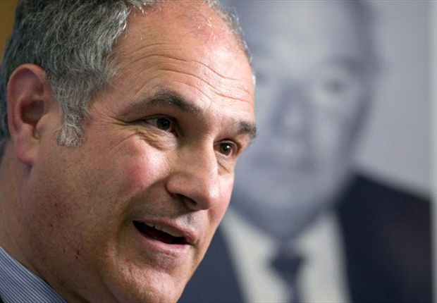 Zubizarreta agrees new Barcelona deal