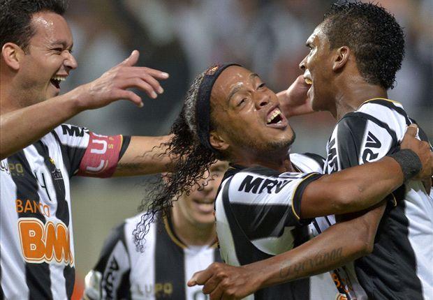Ronaldinho jugó sin 'tacos' ante Xolos.