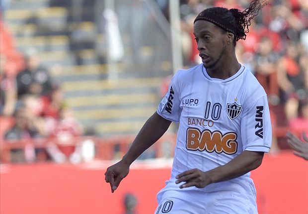 Zac Lee Rigg: Ronaldinho wore sneakers, not cleats, against Club Tijuana